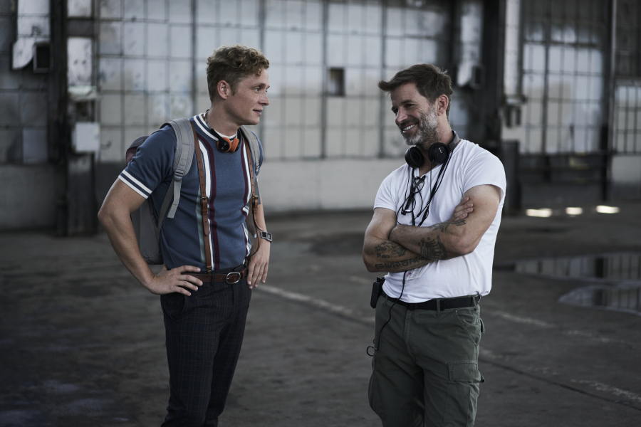 ARMY OF THE DEAD - (L-R) Matthias Schweighöfer as Dieter, Zack Snyder (Director/Producer/Writer), Cr: Clay Enos/NETFLIX ©2020