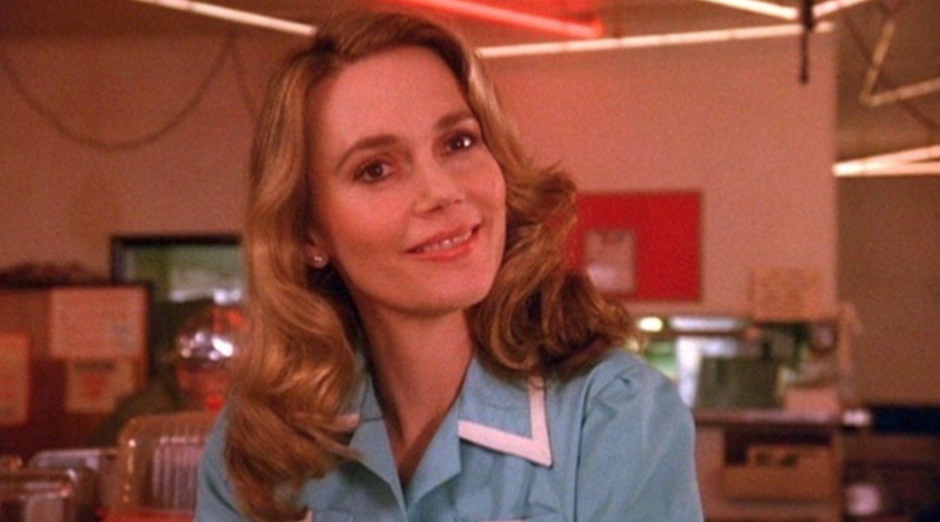 Peggy Lipton è morta: ci lascia l'indimenticabile Norma di Twin Peaks