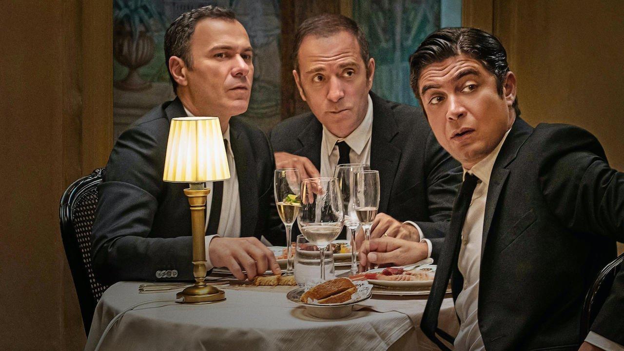 Gli infedeli: il trailer del film Netflix di Stefano Mordini