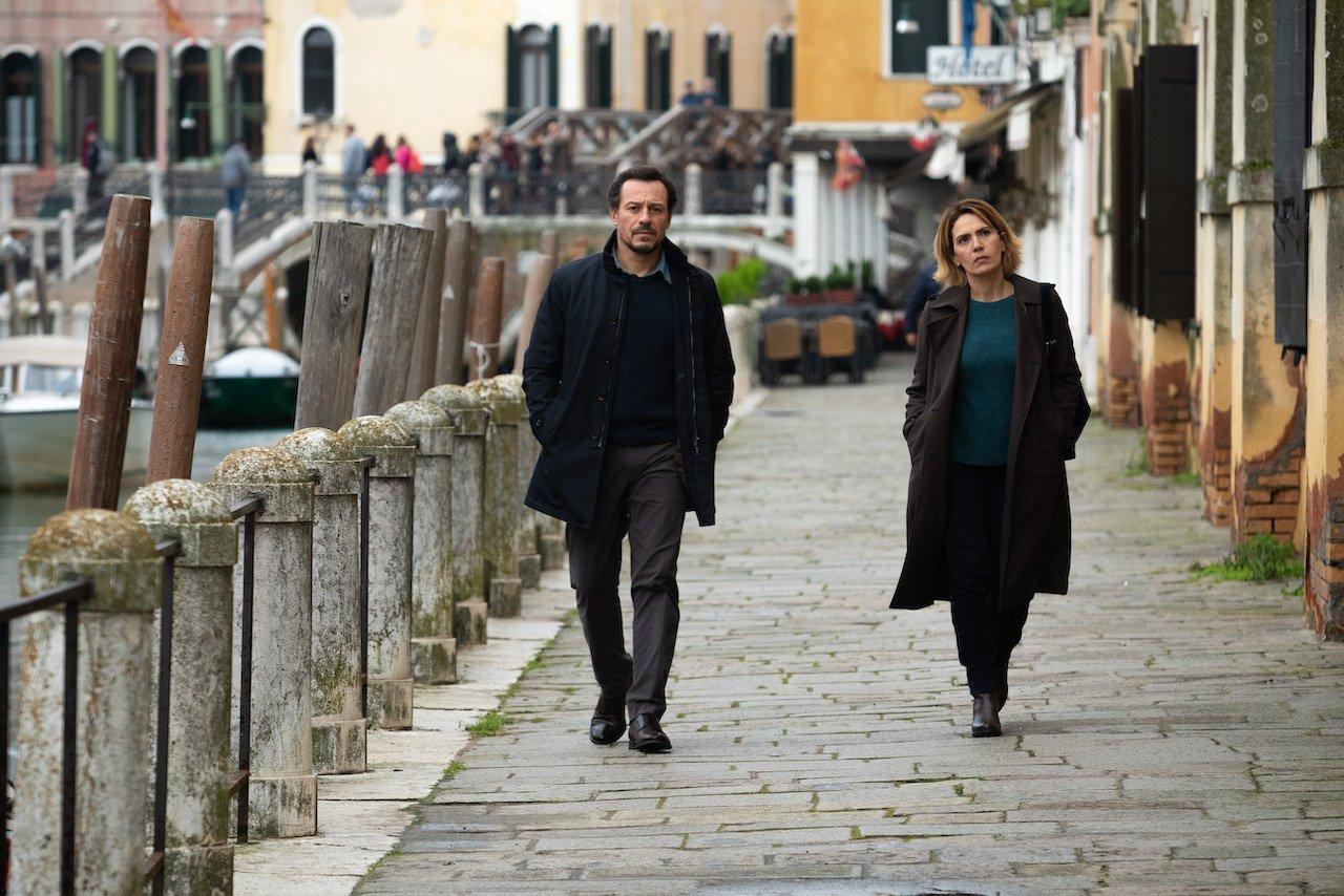 Lasciami andare: recensione del film con Stefano Accorsi e Valeria Golino