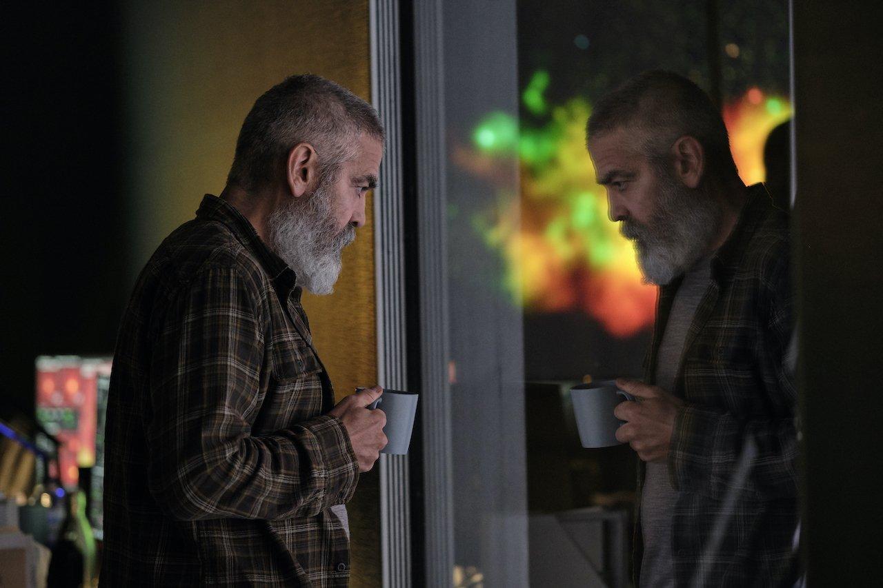 The Midnight Sky: trailer e poster del film di e con George Clooney