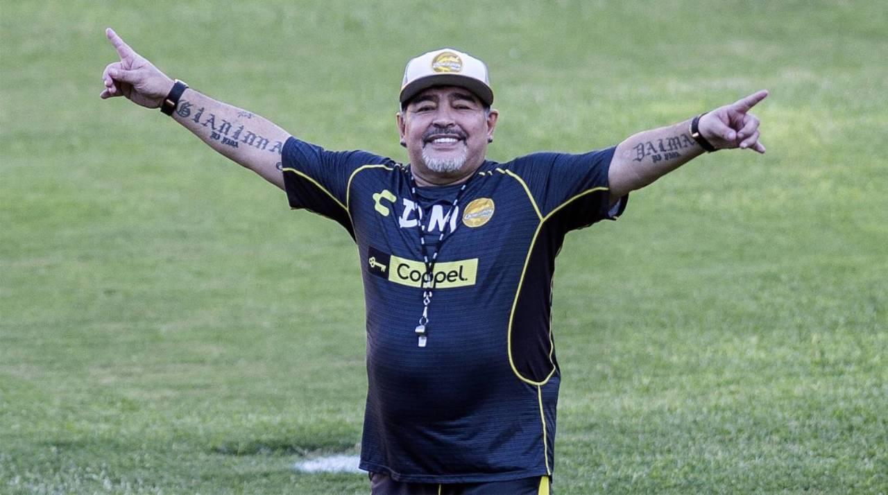 Diego Armando Maradona è morto: addio al Pibe de Oro