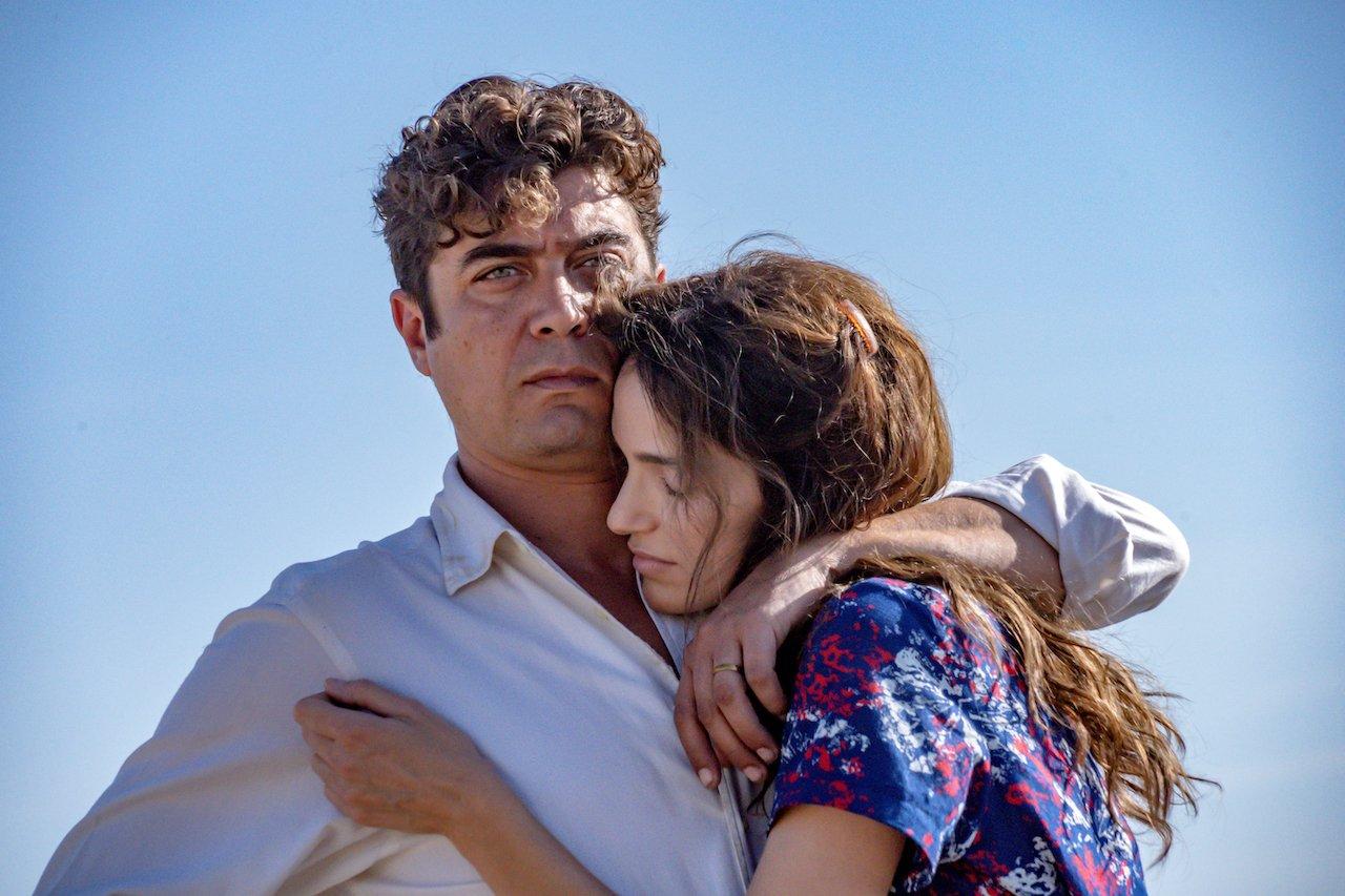 L'ultimo paradiso: trailer e immagini del film con Riccardo Scamarcio