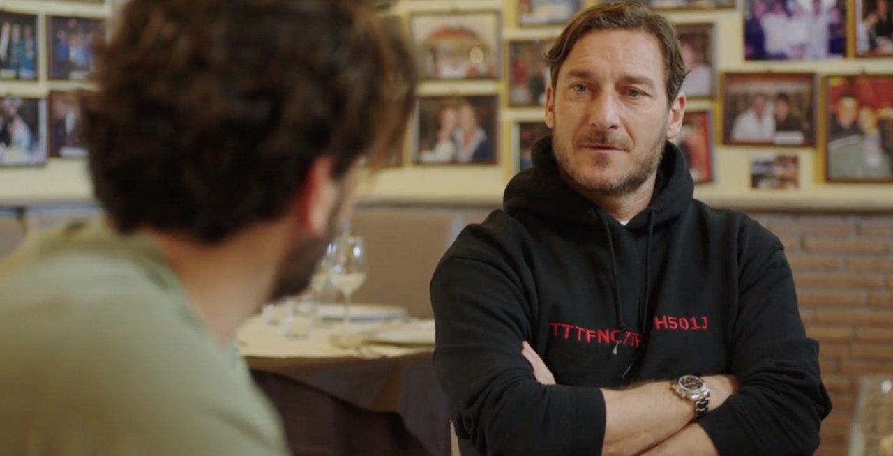 Speravo de morì prima: la terza clip con Pietro Castellitto e Francesco Totti