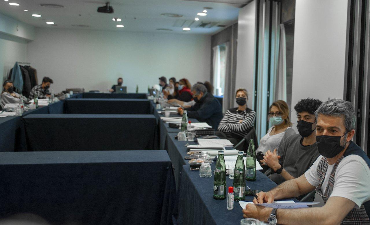 Le fate ignoranti: annunciato il cast della serie di Ferzan Özpetek