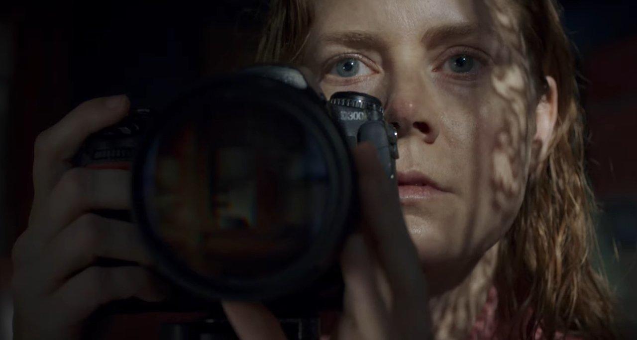 La donna alla finestra: recensione del film con Amy Adams e Gary Oldman